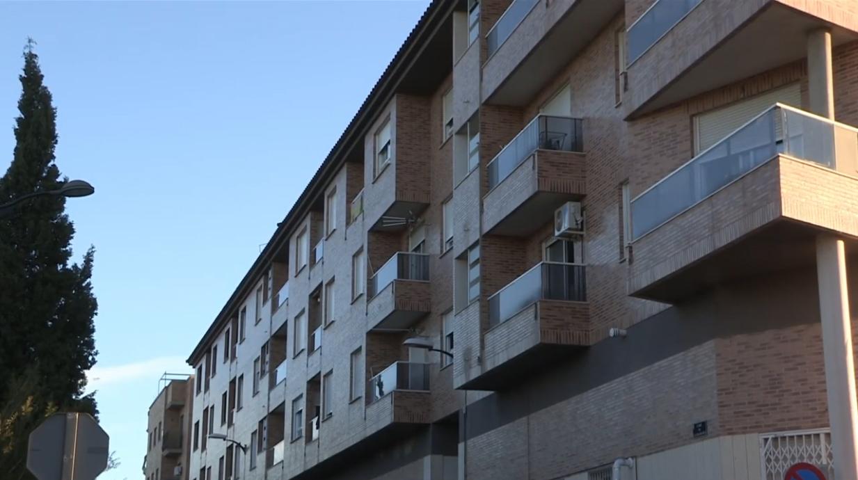El jutjat atén la sol·licitud de l'Ajuntament i ajorna el desnonament de 31 famílies vulnerables
